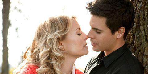 niki taylor kissing husband