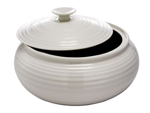 round white ceramic casserole dish with lid