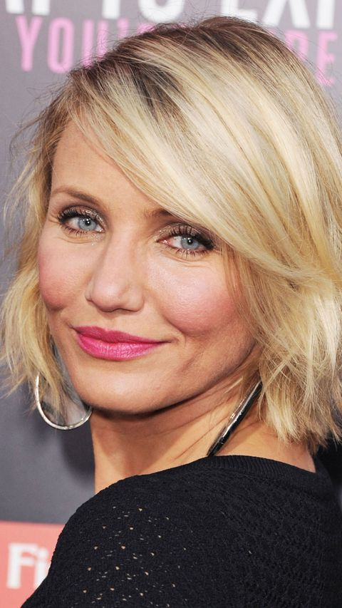 Cameron Diaz with wavy bob and pink lipstick
