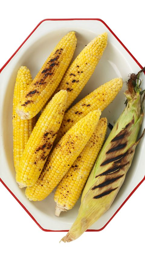 Juicy grilled corn