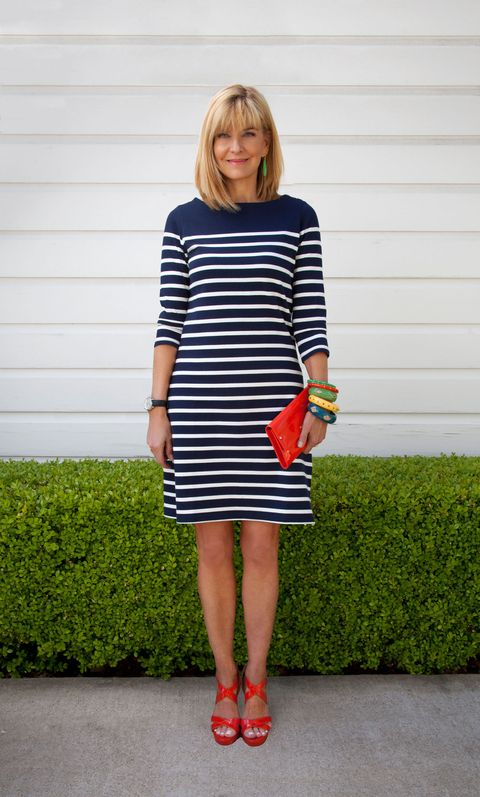 how to wear a striped dress