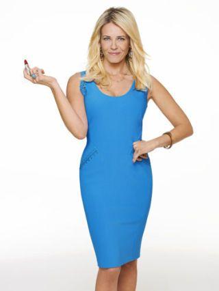 Finger, Dress, Shoulder, Standing, Hand, Joint, Human leg, One-piece garment, Elbow, Formal wear,