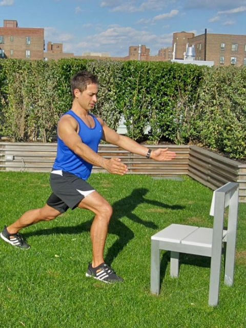 trainer doing lunge