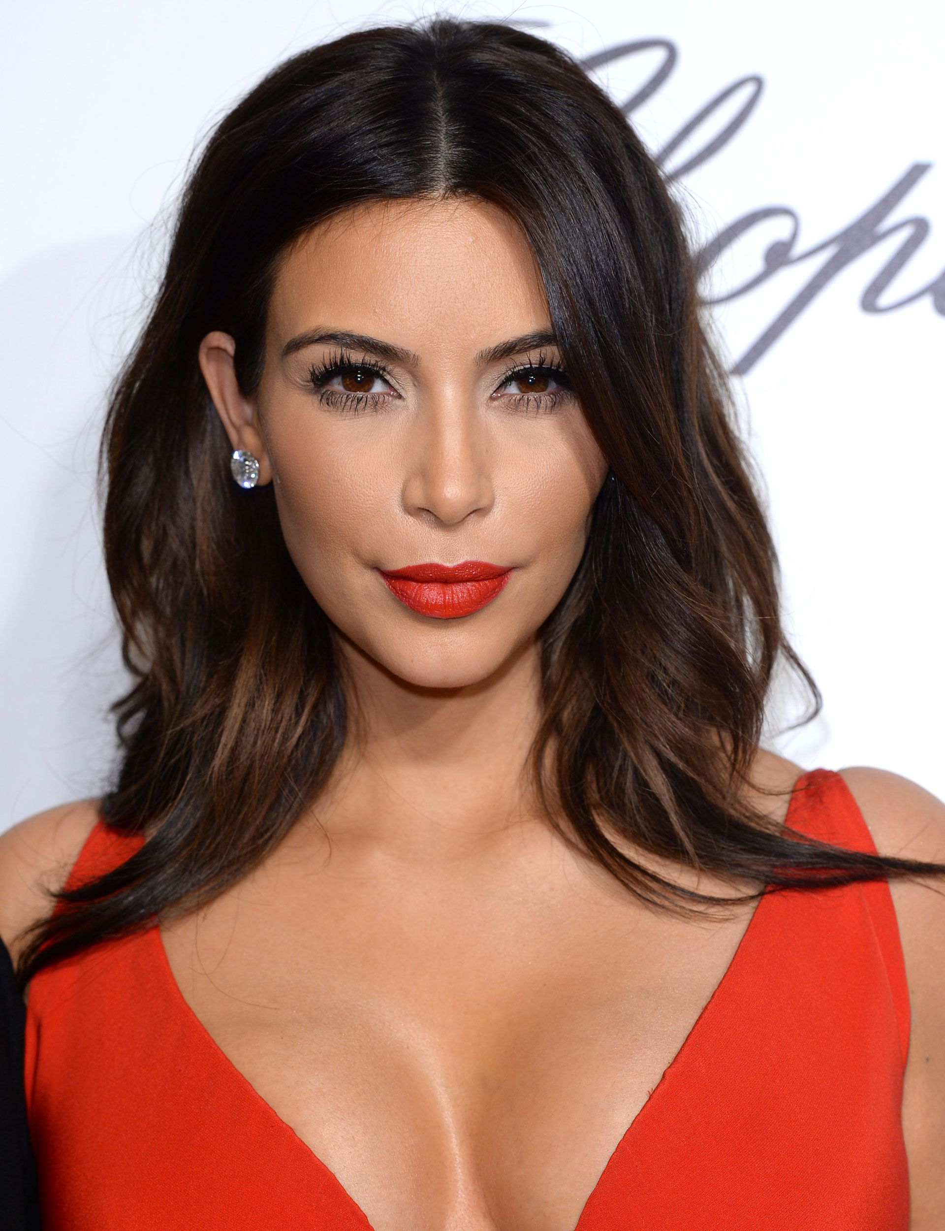 We Bet Youll Recognize Kim Kardashians New Haircut