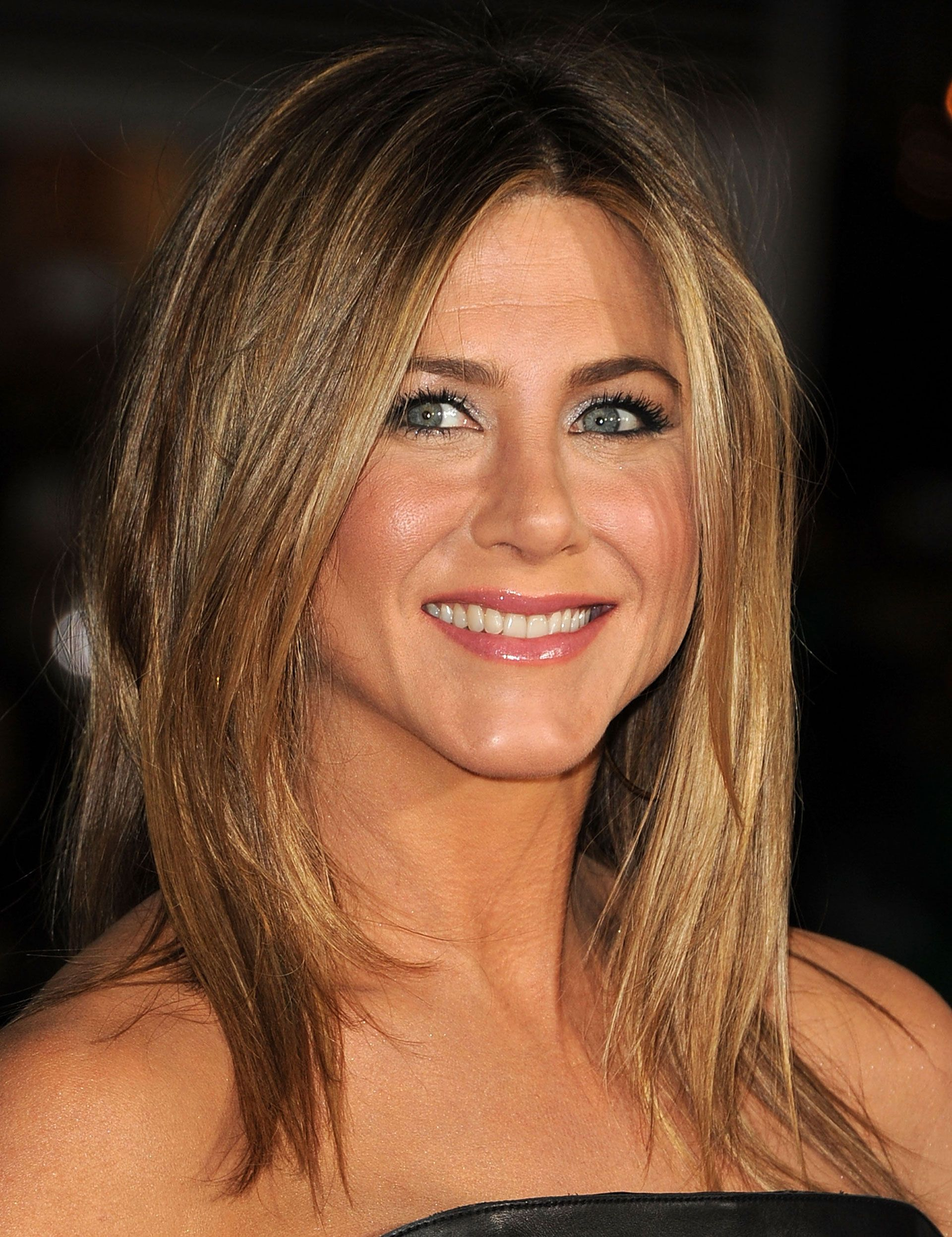 Discussion on this topic: Jennifer Aniston's 141,037.97 BeautyRoutine, jennifer-anistons-141-037-97-beautyroutine/