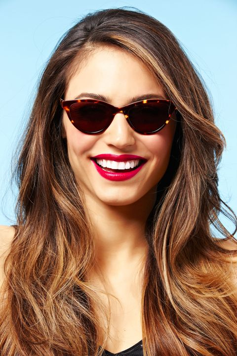 sunglasses and lipstick trend