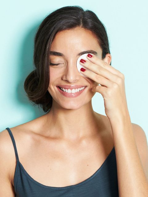 Lip, Smile, Hairstyle, Skin, Forehead, Shoulder, Eyebrow, Eyelash, Tooth, Style,