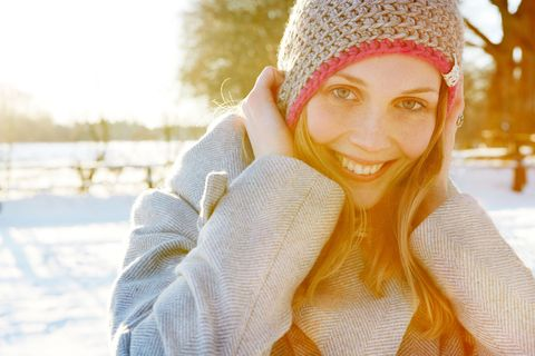 Winter, Human, Textile, Happy, Facial expression, People in nature, Headgear, Snow, Beauty, Wool,