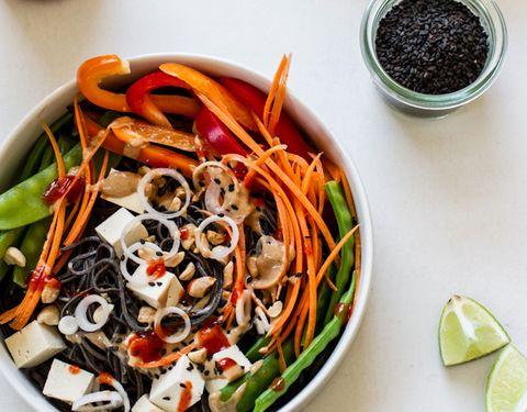 Easy Veggie Noodle Bowl with Peanut Sauce