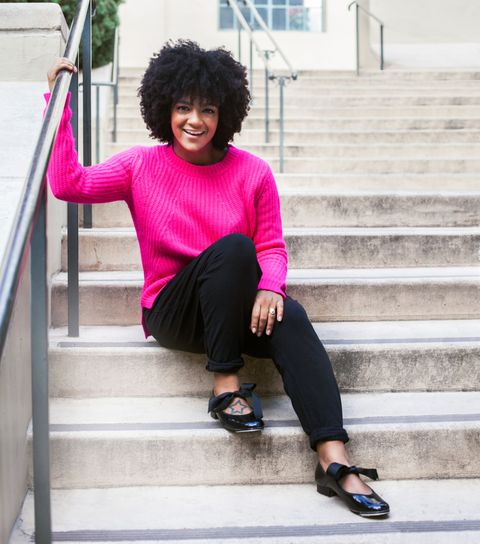 pink sweater outfit ideas