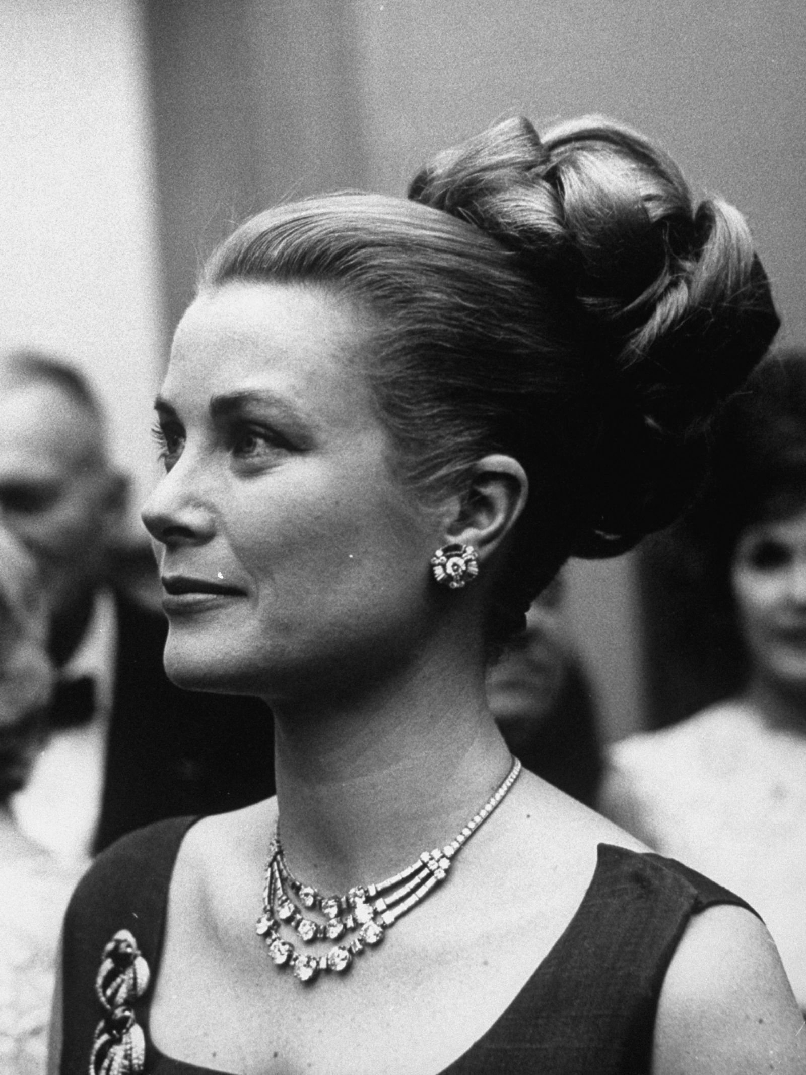 Iconic Updos Pictures Of Celebrity Updos