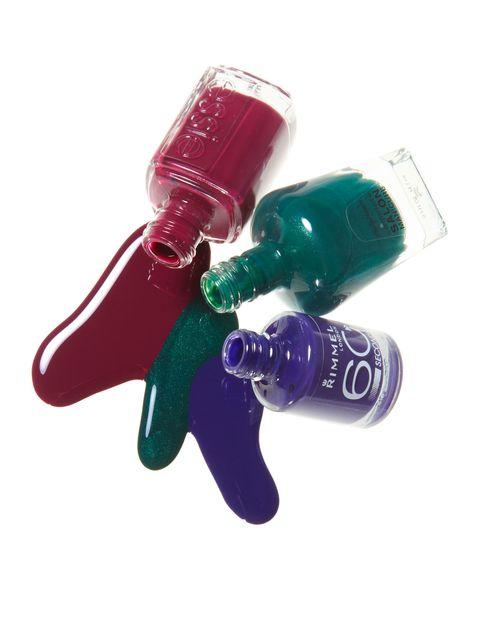 Liquid, Fluid, Bottle, Glass bottle, Capsule, Plastic bottle, Bottle cap, Solution, Body jewelry, Cosmetics,
