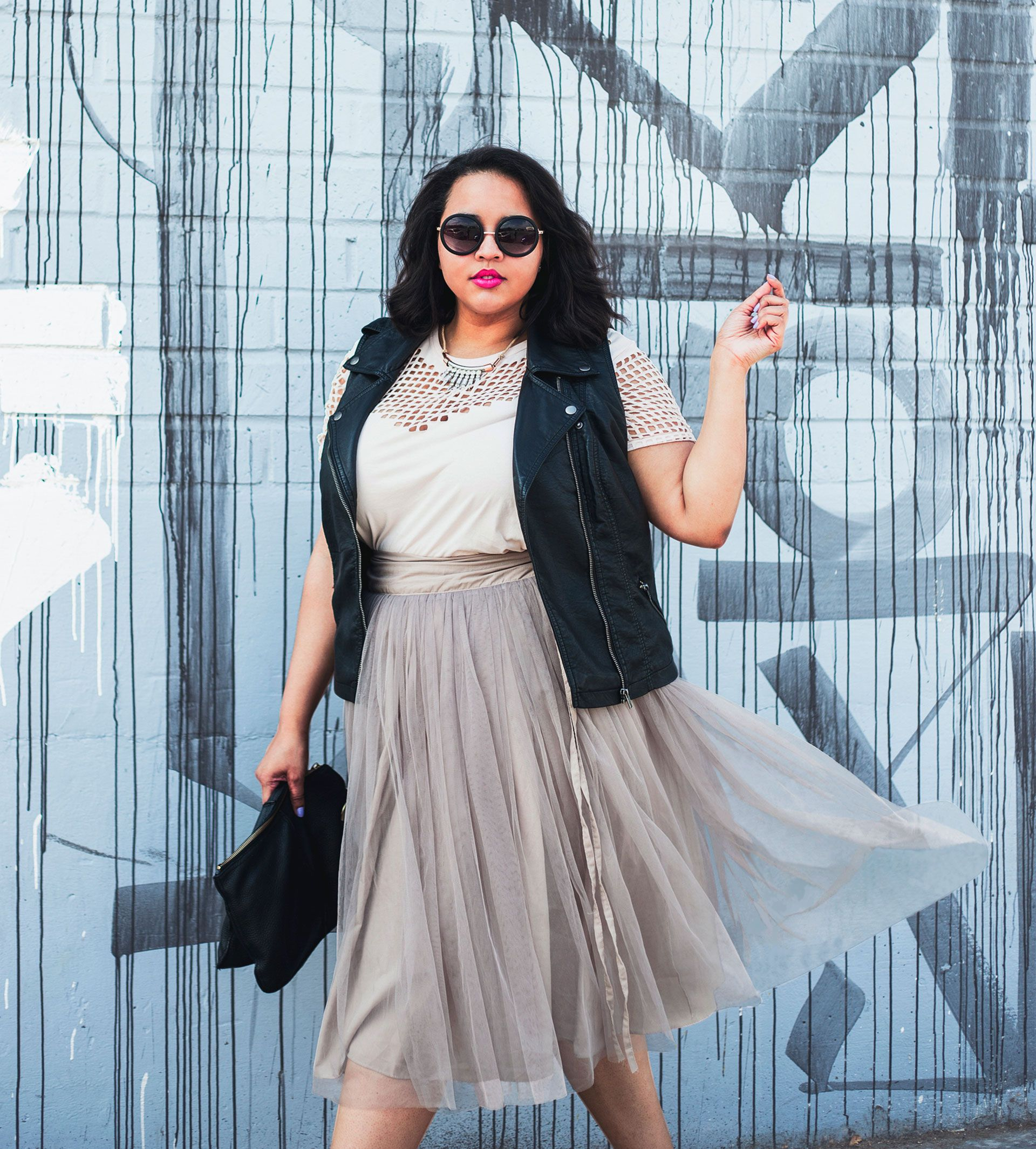 26a4247665ff Curvy? This Is How To Wear the Hottest Trends. Fashion blogger Gabi Gregg  ...
