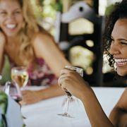 rbk-women-drinking-wine-1-0711-de.jpg