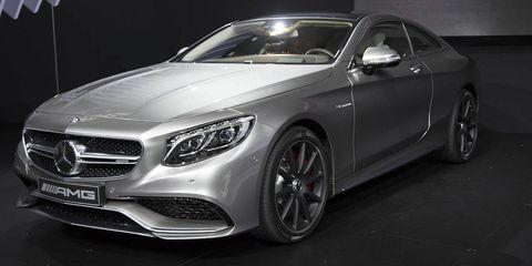 Tire, Automotive design, Mode of transport, Vehicle, Rim, Grille, Car, Alloy wheel, Personal luxury car, Automotive lighting,