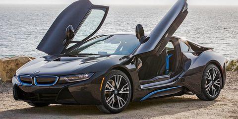 Tire, Mode of transport, Automotive design, Vehicle, Alloy wheel, Rim, Car, Vehicle door, Personal luxury car, Automotive exterior,