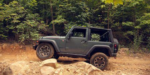 Photos: 2014 Jeep Wrangler Rubicon X