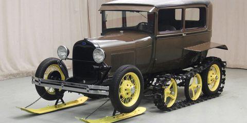 Motor vehicle, Tire, Wheel, Automotive design, Mode of transport, Automotive tire, Transport, Rim, Automotive exterior, Automotive wheel system,