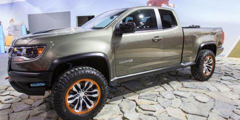 Wheel, Tire, Motor vehicle, Automotive tire, Automotive design, Vehicle, Automotive exterior, Land vehicle, Rim, Truck,