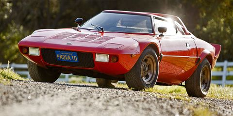 Tire, Wheel, Mode of transport, Vehicle, Automotive design, Land vehicle, Car, Automotive exterior, Performance car, Sports car,