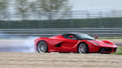 """LaFerrari owners """"invited"""" to get free fuel-tank upgrade"""