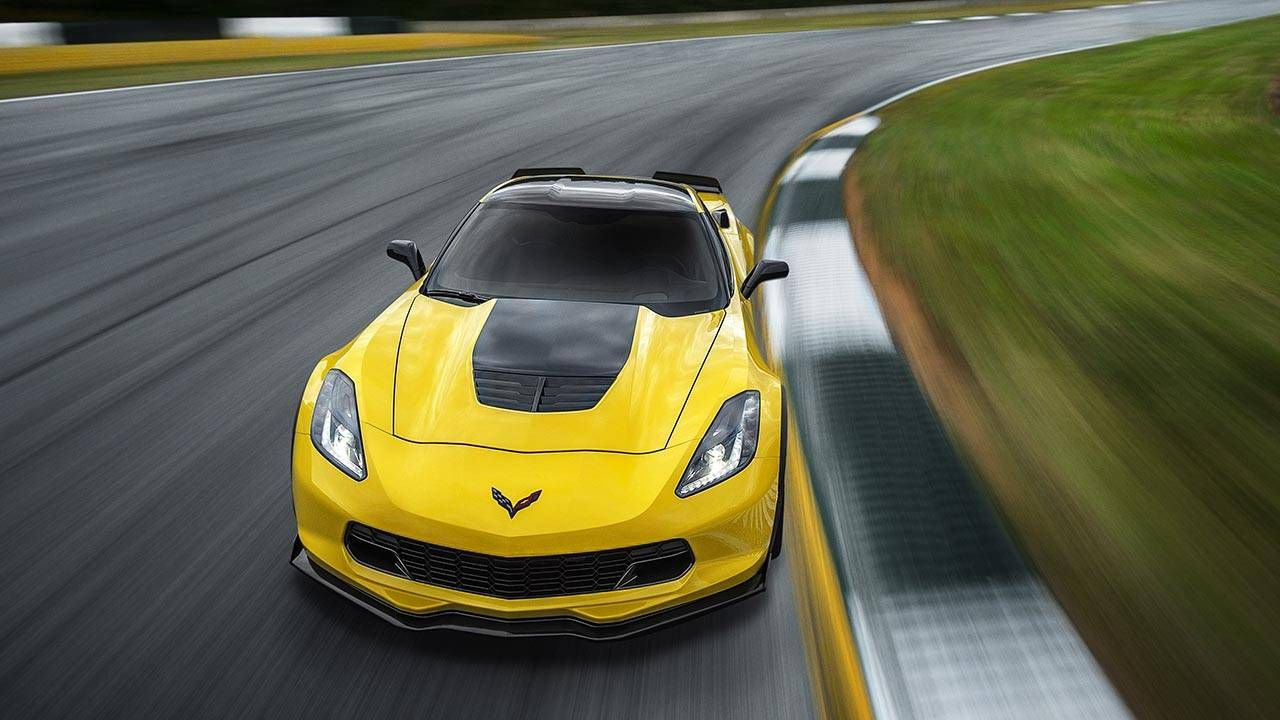 The 2015 Chevrolet Corvette Z06 is absurdly fast and absurdly cheap