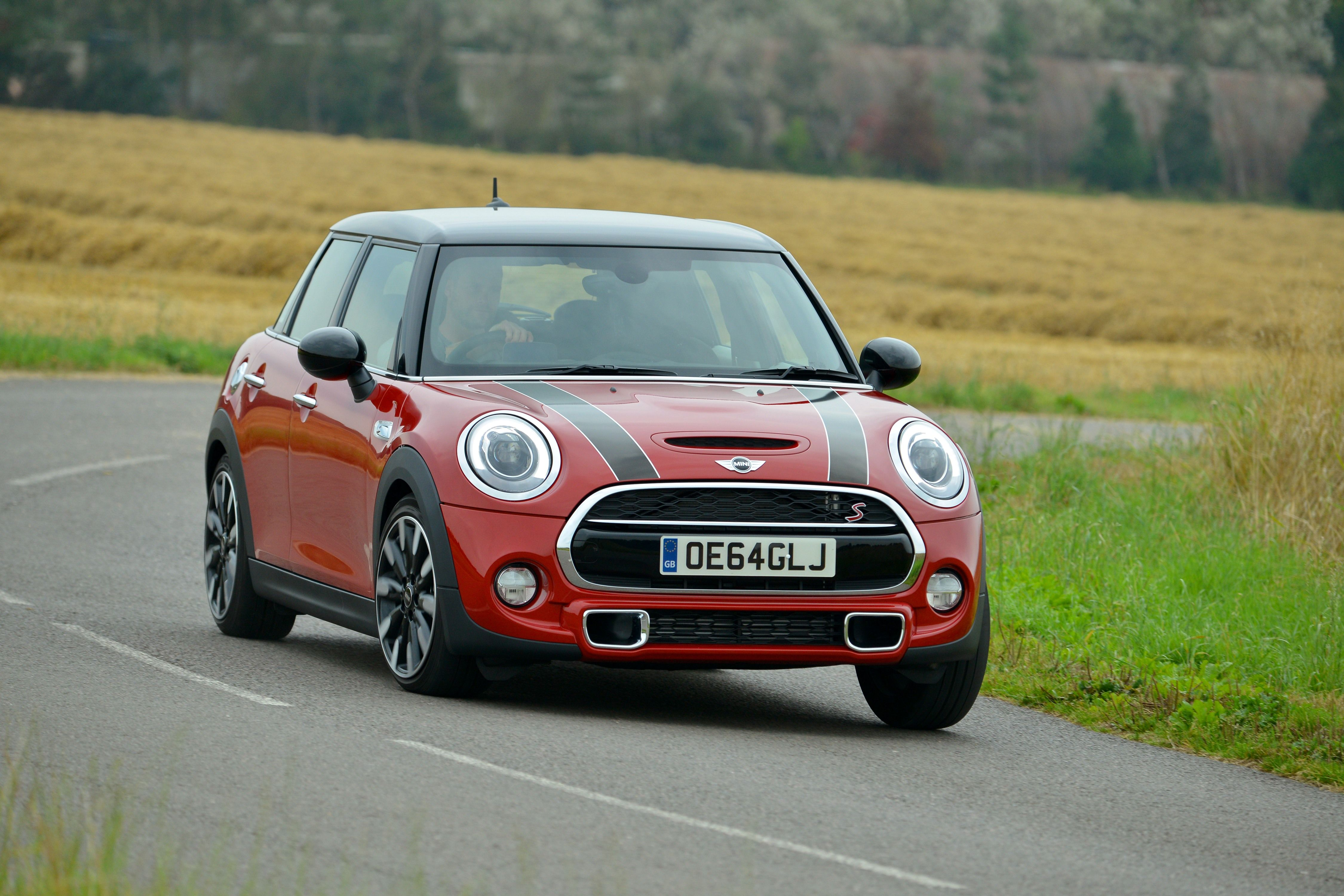 mini hardtop com door s autoguide cooper news review manufacturer
