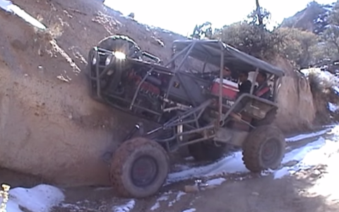 Chainlink Articulating Rock-Crawling 4x4 Buggy