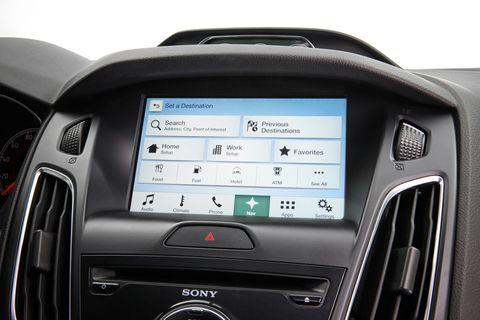 Electronic device, Technology, Vehicle audio, Luxury vehicle, Electronics, Multimedia, Machine, Radio, Center console, Automotive navigation system,