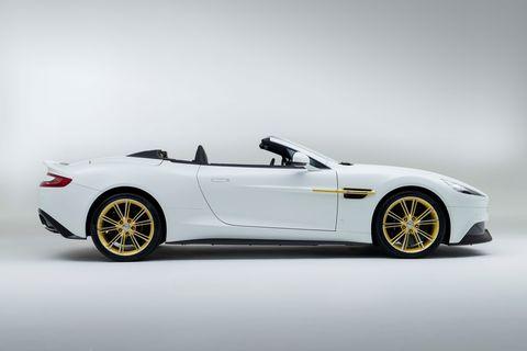 Tire, Wheel, Mode of transport, Automotive design, Vehicle, Rim, Performance car, Car, Spoke, Sports car,