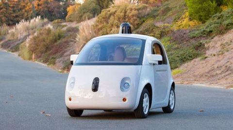 Motor vehicle, Automotive mirror, Mode of transport, Automotive design, Vehicle, Road, Leaf, Car, Automotive side-view mirror, Vehicle door,