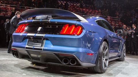 The Ford Mustang Shelby GT350R sounds absolutely evil