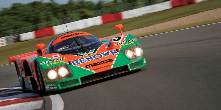 Video: Mazda 787B at le Mans in 2011