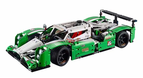 Time-lapse builds of LEGO Technic's motorsports kits