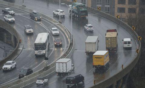 Motor vehicle, Mode of transport, Land vehicle, Transport, Vehicle, Automotive exterior, Road, Automotive parking light, Truck, Road surface,