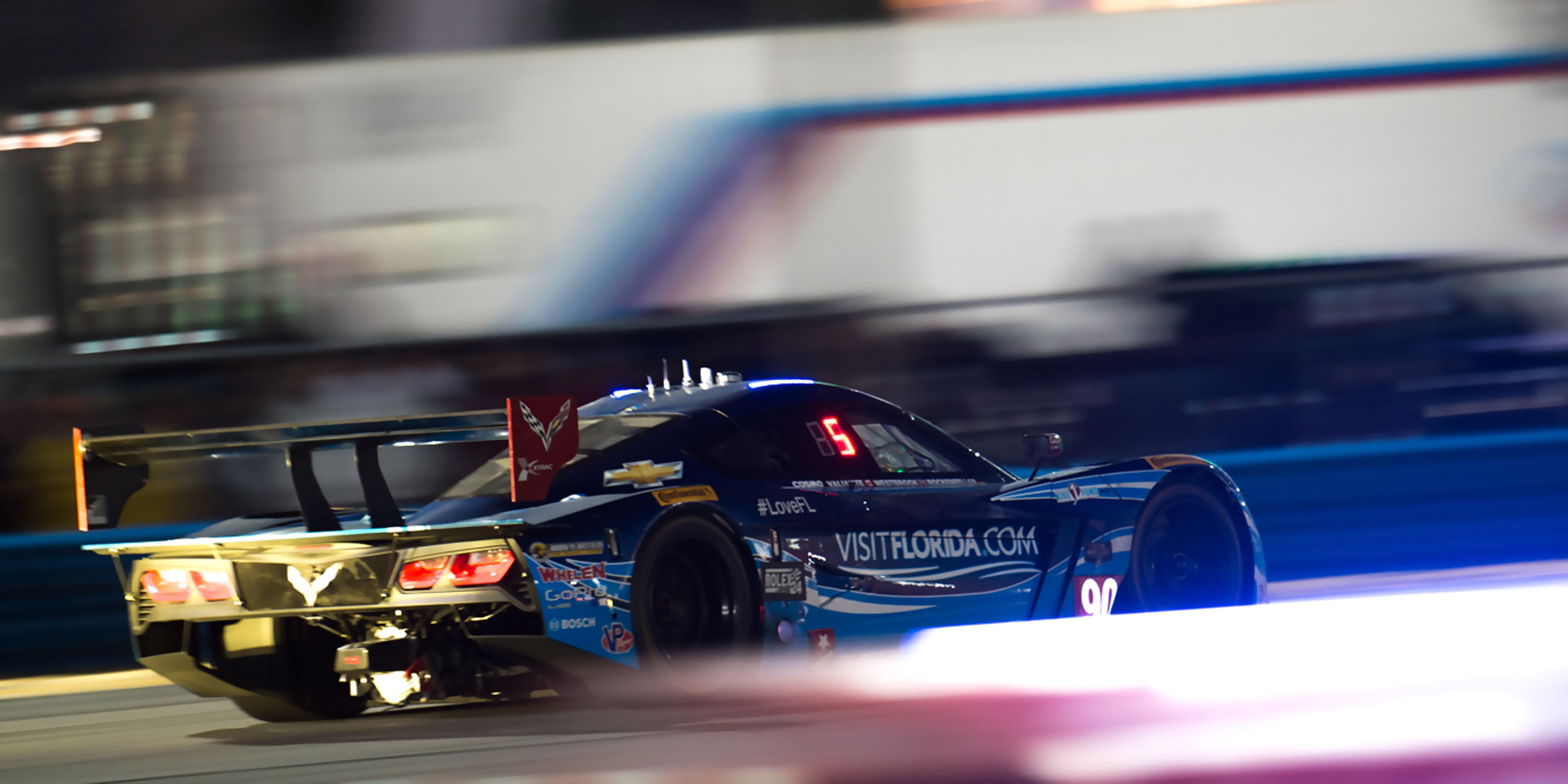 How To Photograph Race Cars In The Dark