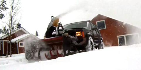Automotive tire, Winter, Automotive exterior, Fender, Snow, Auto part, Snowplow, Automotive wheel system, Bumper, Snow removal,