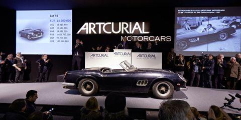 Barn-find Ferrari sells for record $18 million
