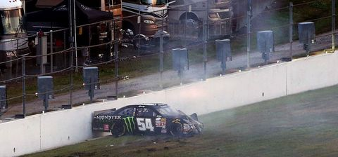Kyle Busch wreck at Daytona Xfinity Series opener