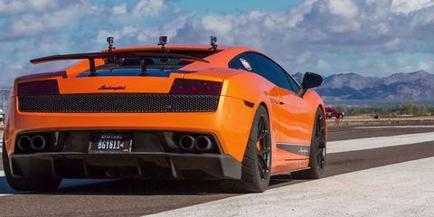 Watch a twin-turbo Lamborghini destroy a Bugatti Veyron