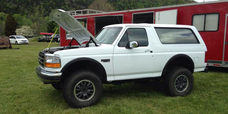 This plain white Bronco is a Raptor in OJ's clothing