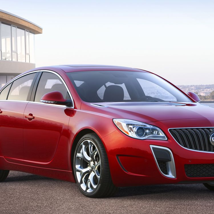 2015 Buick Regal GS ¾ front view with Copper Red Metallic exterior color and 20-inch Alloy polished wheels