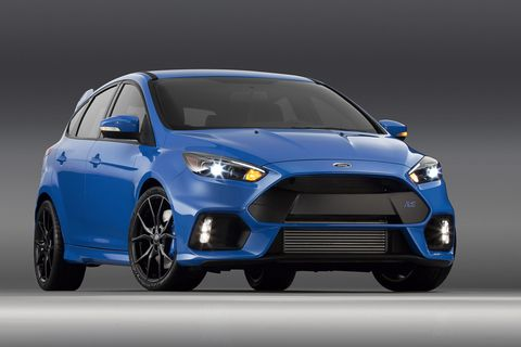 The Ford Focus RS makes its debut on American soil next week, and that should make you all very excited.