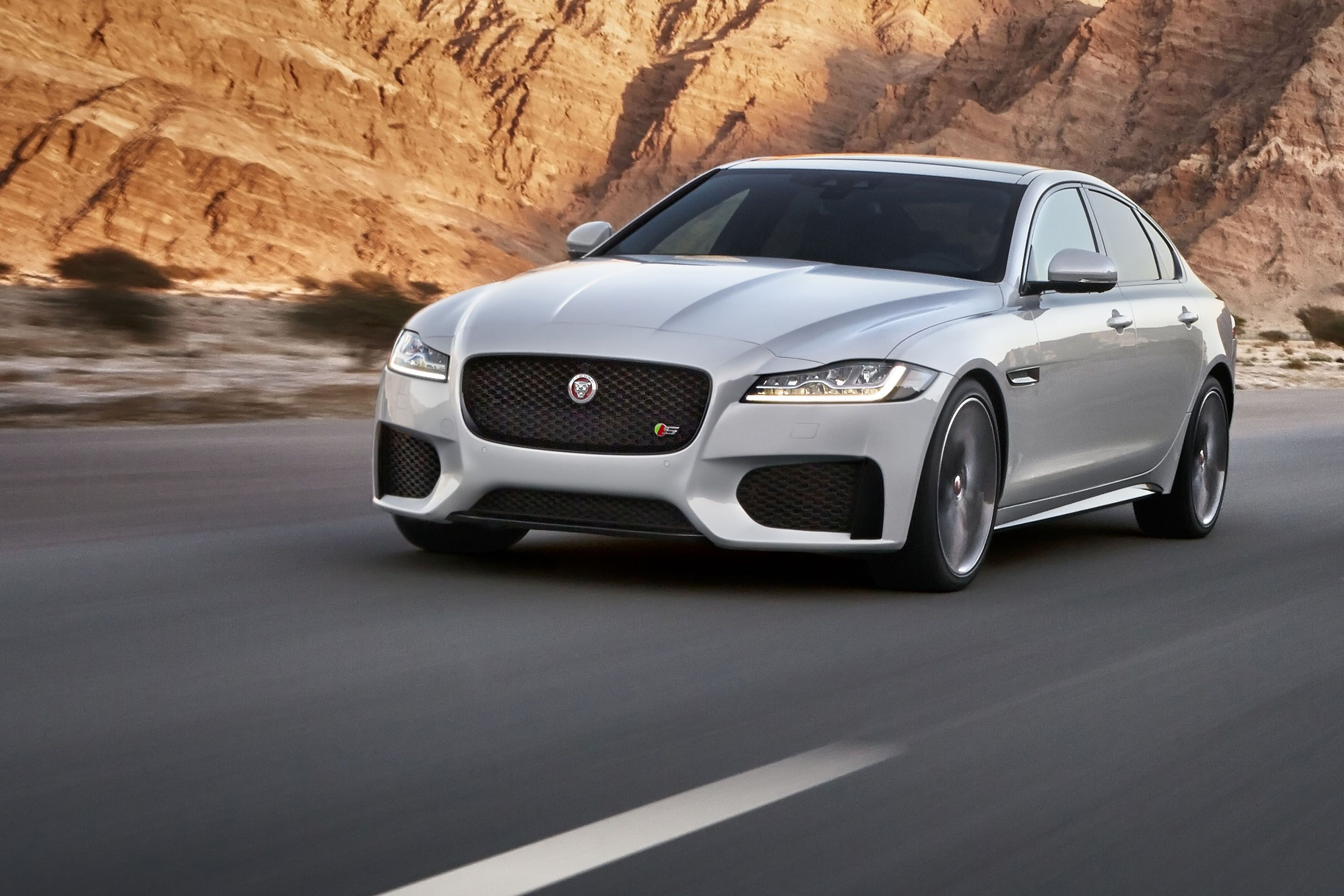 you jaguar sedan need autoguide know to news manufacturer xf com things review