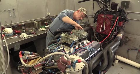 Hero builds 697-horsepower, 552-ci Ford V12