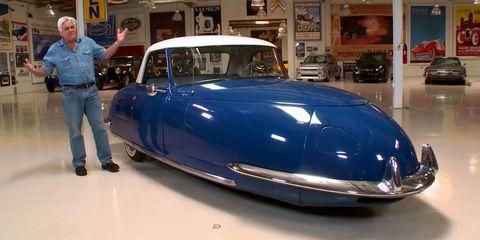 Motor vehicle, Automotive design, Mode of transport, Land vehicle, Vehicle, Car, Classic car, Automotive exterior, Classic, Fender,