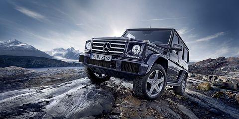 Tire, Wheel, Automotive tire, Automotive design, Automotive exterior, Rim, Grille, Tread, Fender, Hood,