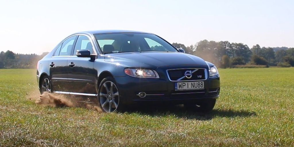 An exhaust makes this Volvo V8 sound like a supercar