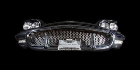 Automotive exterior, Automotive lighting, Grille, Headlamp, Classic car, Light, Bumper, Automotive light bulb, Luxury vehicle, Classic,