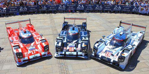 Automotive design, Vehicle, Sport venue, Motorsport, Car, Race track, Race car, Automotive exterior, Sports car racing, Racing,